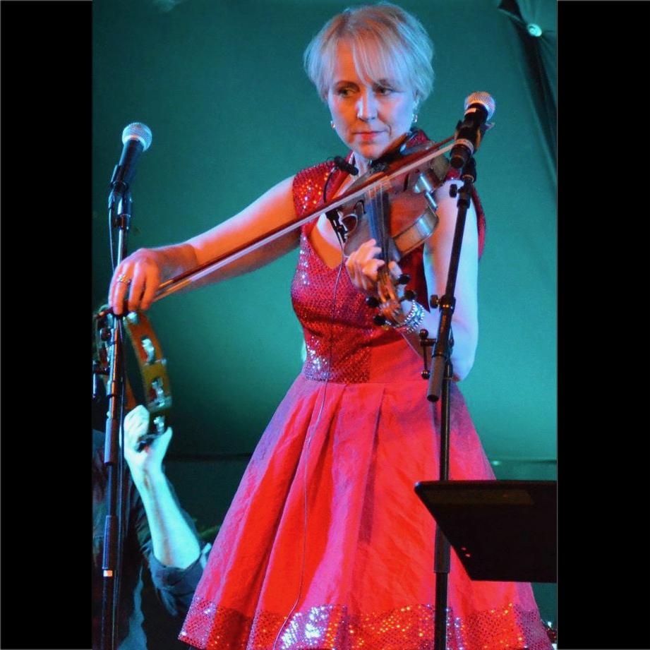 Susanne spelar på Kupolen i Karlskoga